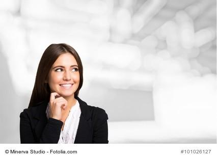 Portrait of a smiling woman, Large copy-space